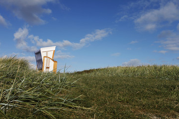 Einsamer Strandkorb - Lonesome beach chair