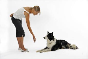 photos illustrations et vid os de relation femme chien. Black Bedroom Furniture Sets. Home Design Ideas