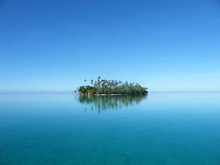 Ile au large de Raiatea - Polynésie