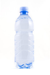 bottiglia d'acqua verticale