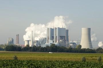 Kraftwerk Neurath mit Neubau