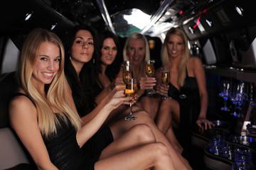 party in der strech limousine