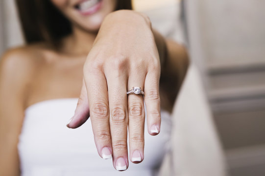 Bride showing off ring