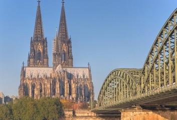 Fototapete - Kölner Dom, Hohenzollernbrücke