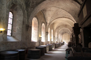 Wall Mural - Altes Gewölbe auf einem Weingut