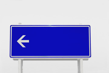 Schild in Blau