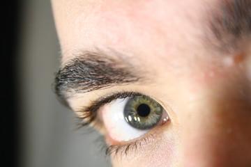 Auge rechts