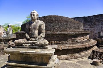 Fototapete - Buddha Statues at Vatadage, Sri Lanka