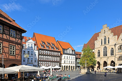 hildesheim marktplatz mit ber hmten h usern stockfotos. Black Bedroom Furniture Sets. Home Design Ideas
