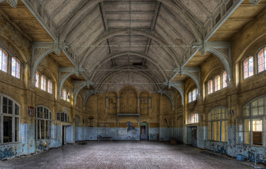 Photo sur Aluminium Ancien hôpital Beelitz old sports hall