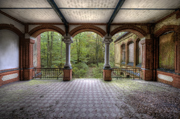 Canvas Prints Old Hospital Beelitz Säulenaufgang