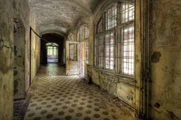 Keuken foto achterwand Oud Ziekenhuis Beelitz Flur im Krankenhaus Beelitz
