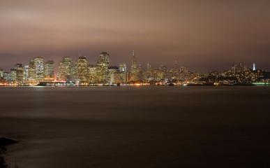 Foto auf Leinwand Stadtgebaude San Francisco at night