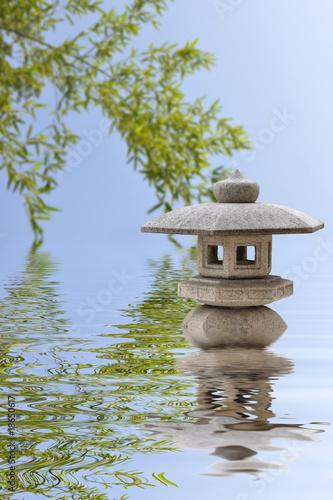 lanterne japonaise en pierre et bambous photo libre de droits sur la banque d 39 images fotolia. Black Bedroom Furniture Sets. Home Design Ideas