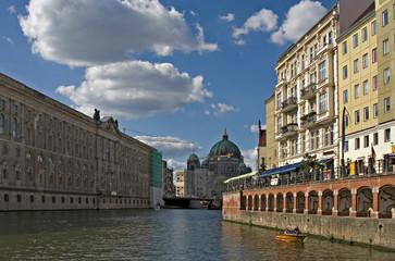 Spreefahrt - zwischen Nikolaiviertel und Museuminsel