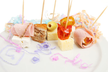 Party nibbles with streamers