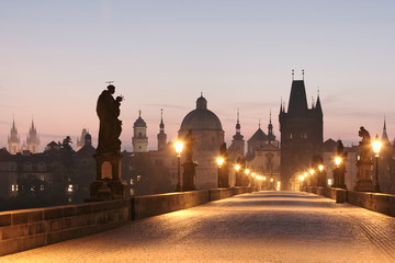 In de dag Praag prague charles bridge