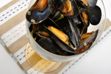 some fresh organic mussel in garlic butter