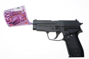 pistola e banconota