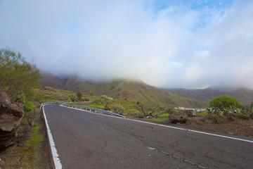Straße in den Wolken - Teneriffa - Cloudy road