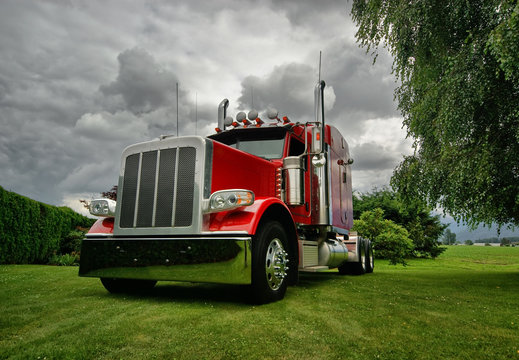 Semi Tractor Truck