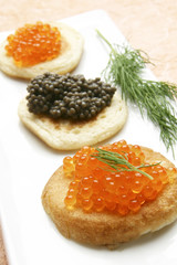 caviar y blinis