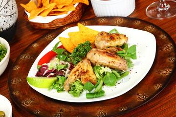 Chicken Wings mit Beilage
