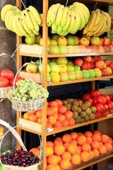 Obst, Bananen, Äpfel, Orangen, Kiwi, Weintrauben