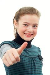 Ein Mädchen zeigt in Fingersprache SUPER.