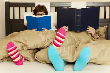 read a book couple