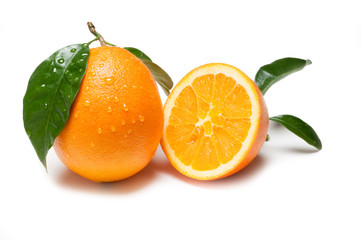 arance su sfondo bianco