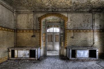 Keuken foto achterwand Oud Ziekenhuis Beelitz Rohleitungen in der Küche