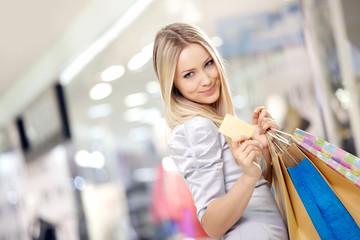 Shopping blonde