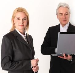 Geschäftsleute mit Computer