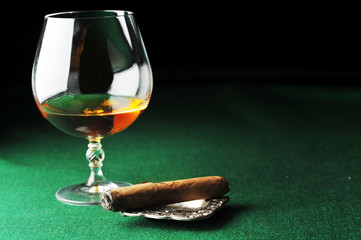 Cigar and drink