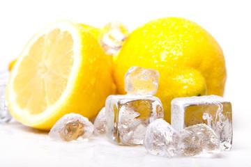 Foto op Canvas In het ijs Cold lemons!