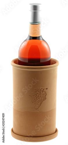 brique vin terre cuite bouteille vin ros fond blanc photo libre de droits sur la banque d. Black Bedroom Furniture Sets. Home Design Ideas