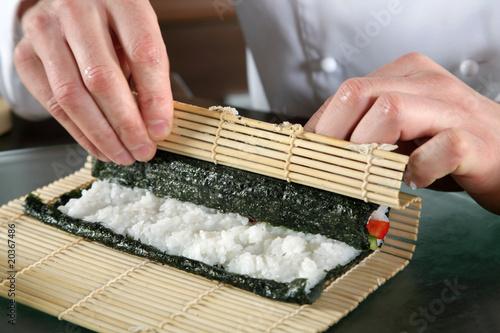 Как крутить суши в домашних условиях видео