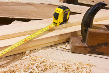 Tape-measure and smoothing plane in desktop