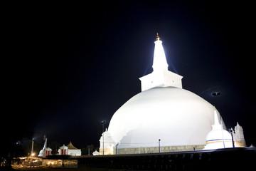 Fototapete - Ruvanveli Dagoba, Anuradhapura, Sri Lanka