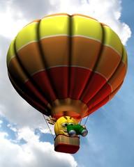 Ballonfahrer am Wolkenhimmel