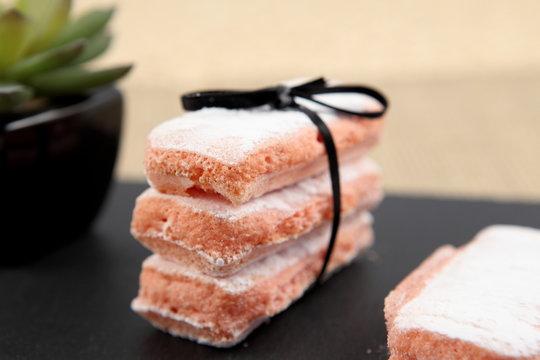 Biscuits roses de Reims