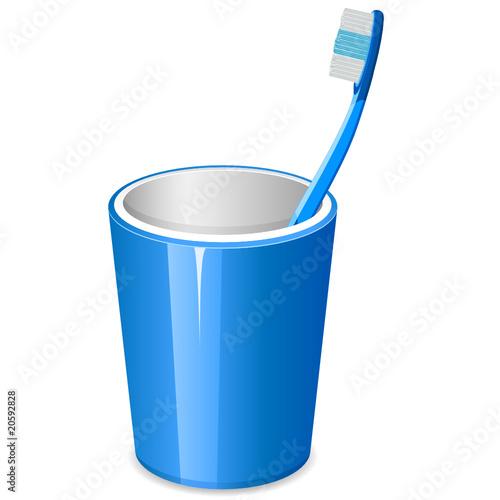Zahnbürste im Becher\