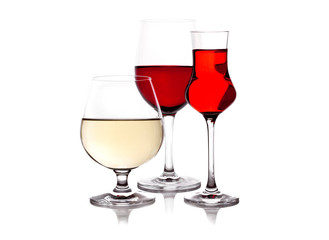 trhee glass with red and white wine
