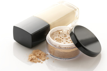 Cosmetic foundation and powder