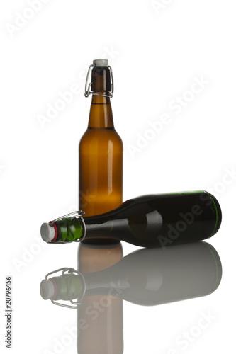 bierflaschen mit b gelverschluss stockfotos und lizenzfreie bilder auf bild 20796456. Black Bedroom Furniture Sets. Home Design Ideas