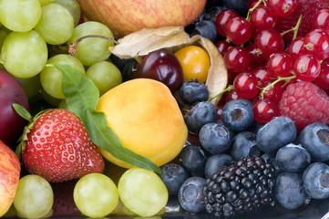 berry-fruit platter close-up
