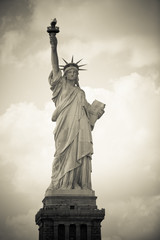 Freiheitsstatue in New York City, monochrom