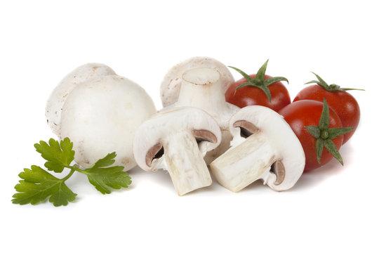 White button mushrooms with cherry tomato