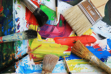 In a picture the brush of the artist lays.